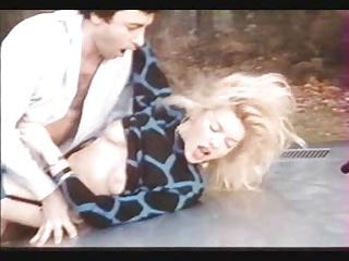 صحنه Bourgeoises اما Perverses (1985) با MARYLIN جس