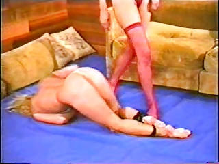 Alecia Ames vs Brunette cat fight