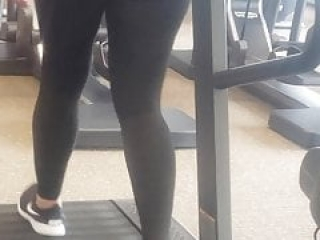 Candid Pawg on Treadmill Fine Tuning Booty
