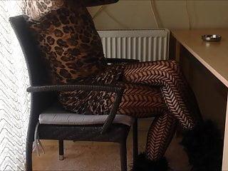 فلش زن خانه دار سکسی