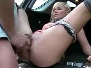 She puts her ass to her pussy in the car