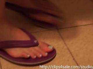 Israeli Feet in Flip Flops.