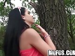 Mofos World Wide - Good Fuck In The Woods starring  Jessyca