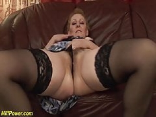 chubby mom bigcock banged by her toyboy
