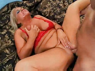 Hot mature blonde cougar chloe - totti