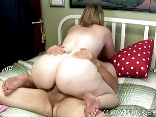 Super horny MILF is a very hot fuck and loves cum