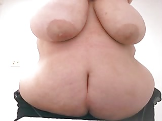 BBW Showing Tits & Ass