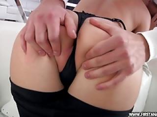 داغ 18 نوجوان میلنا cumming با خروس در الاغ او