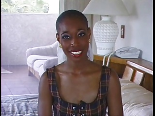 بانوی زیبا آفریقایی فاک توسط مرد سفید پوست