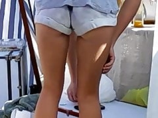Candid Voyeur- blonde college girl with nice legs ass