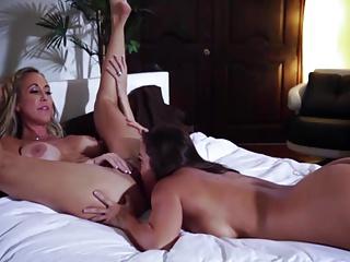 Two Lesbian Girl Enjoying Hot Pussy