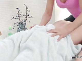 مشتری از راه بدر کردن redhair masseuse تا از روزگارمان درآورد در سالن ماساژ