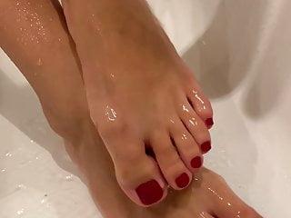 پاهای سکسی کسی را دست انداختن-Hotwife984
