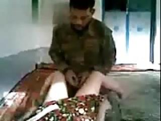 زن پاکستانی روستای Fucks سرباز هندی