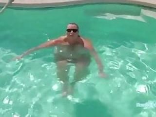 Desiree naked in her Vegas pool
