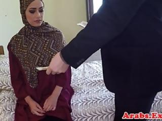 آماتور عرب شخم زده قبل از کار ضربه